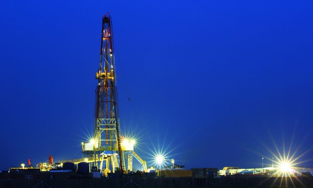 How Proper Lighting Can Save Oil Companies Money